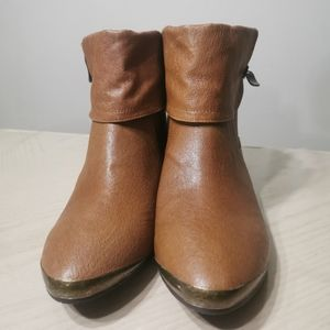 NWOT! Chinese Laundry Ankle Boots